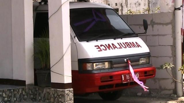 Tanda Tangan Serah Terima Mobil Ambulance dari PMI Pusat kepada RW.014 Cikahuripan